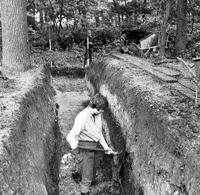 Opgravingen op locatie Singeltjes in de zomer van 1970.
